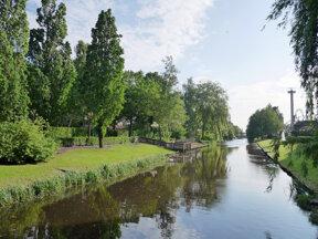 Ferienpark und Freizeitpark im Grünen am Wasserkanal