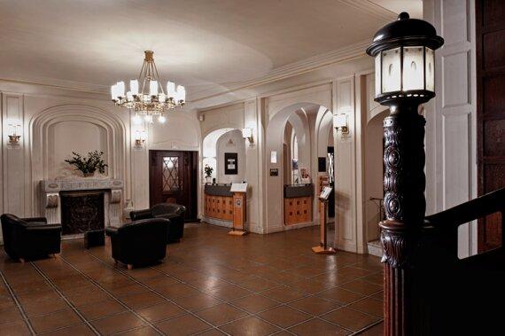 ZWI01-lobby1.high