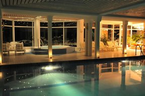 Pool und Whirlpool