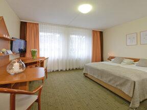 Hotel Residenz Oberhausen Doppelzimmer Totale 1600x1200
