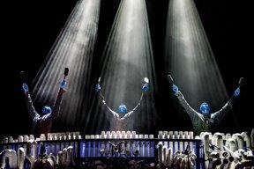 Trio PVC 1 © Stage Entertainment