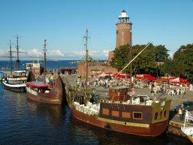 Kolberger Leuchtturm Schiffe (2)