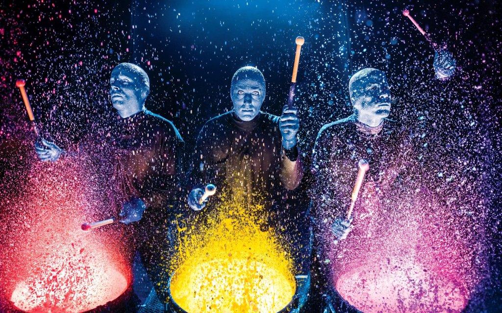 Blue Man Group Darsteller auf der Bühne