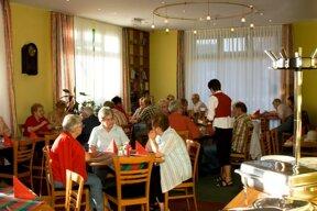 Frühstück mit Gästen