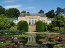 Alhambra am Neckar mit Blumen und Tieren