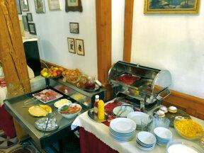 Frühstück-Hotel u tri Ruze