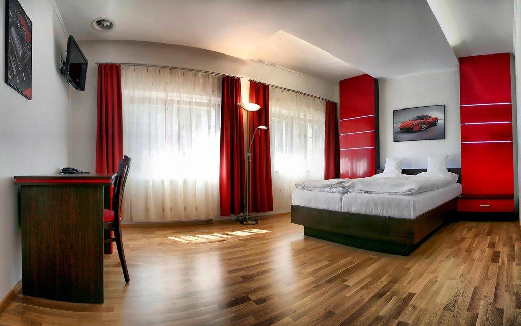 Decin Hotel Vyprez Zimmer Ferrari