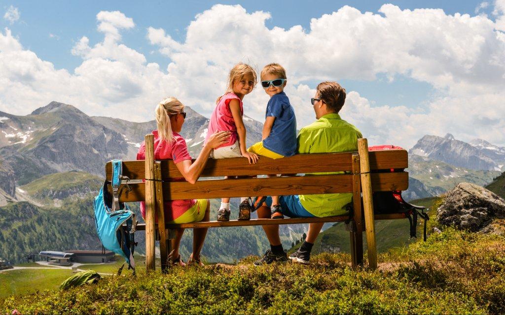 Familie unterwegs im Salzburger Land