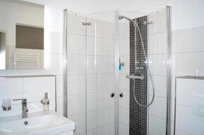 Dusche im DZ