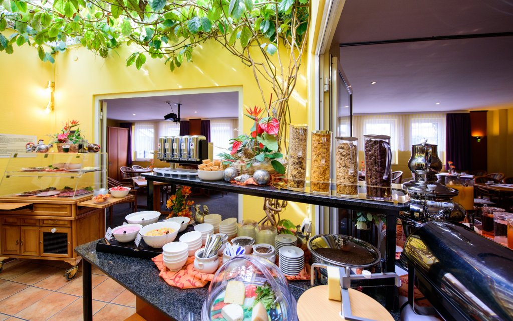 Askania Hotel Bernburg Frühstück Buffet