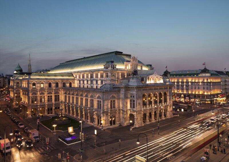 Luftaufnahme Wiener Staatsoper am Abend