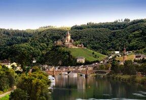 Stadtansicht mit Fluss © Tourist-Information Ferienland Cochem