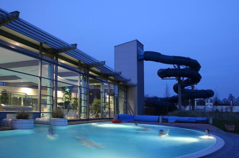 Freizeitbad Arobella Außenbereich Nachts
