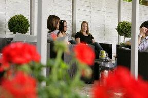 Lounge Garten 02 c Hotel