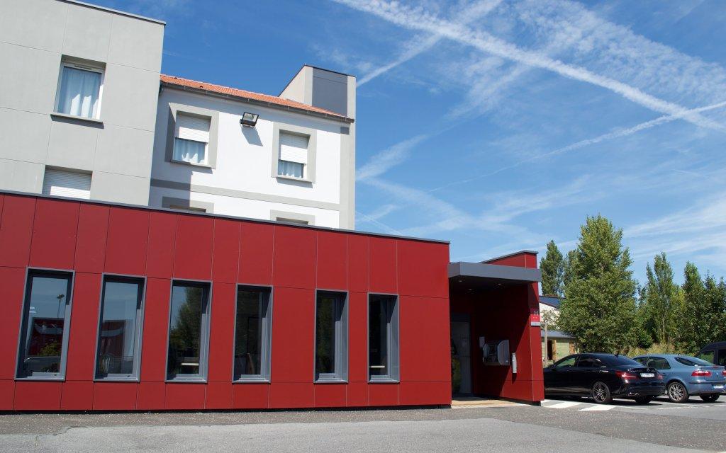 Hotel Akéna Saint Witz aussen Außenansicht