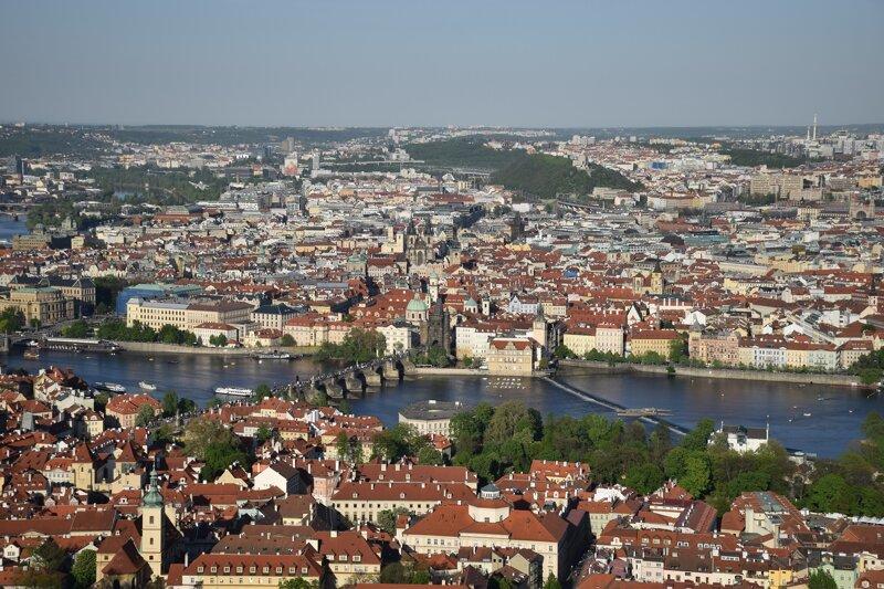 Blick vom Petrin-Berg auf Prag