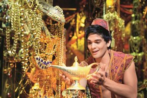 Aladdin Lampe quer © Stage Entertainment