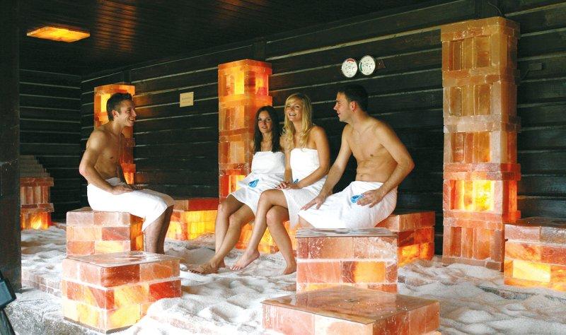 Sauna mit Gästen Palm Beach Freizeitbad