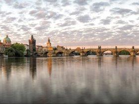 Panorama mit Karlsbrücke©Pixabay