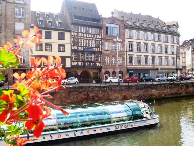 Ill Kanal an der Ancienne Douane Straßburg