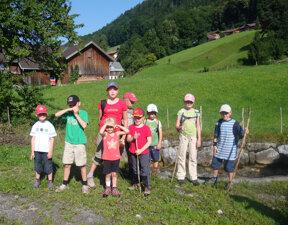 Sommerprogramm Kinder beim Wandern