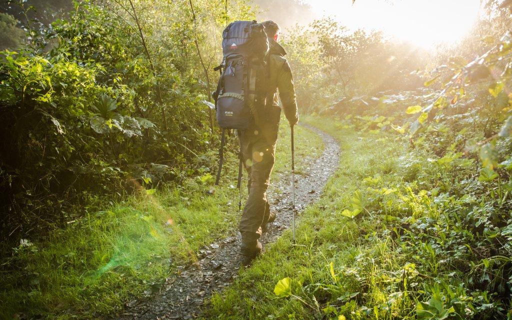 Wanderer im Rothaargebirge bei Winterberg
