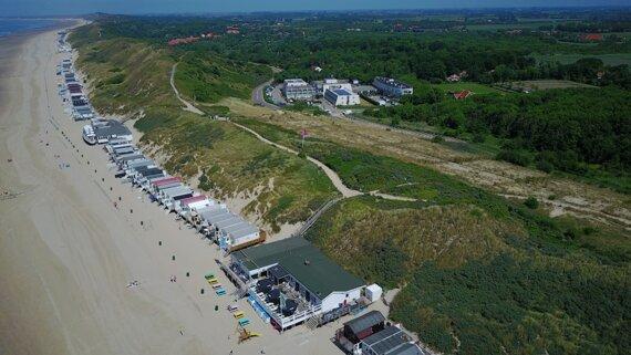 Luchtfoto-Kon-Tiki-Beach-strand-Westduin-1024x576