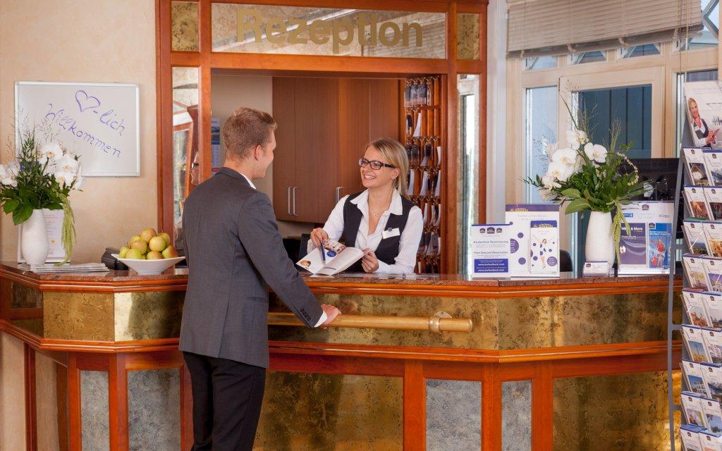 Waldhotel Eskeshof Wuppertal Rezeption
