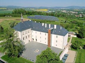 Schloss Hotel Svijany-aussen 1