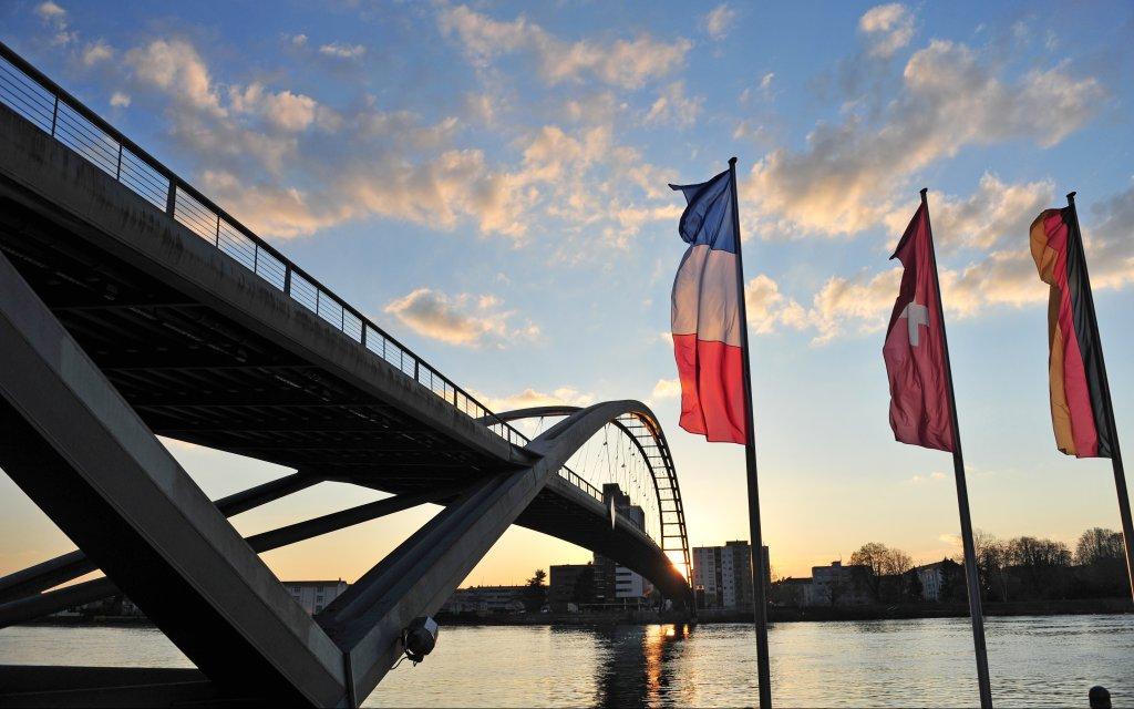 Dreiländerbrücke  über den Rhein