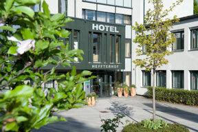 Blick auf den Eingangsbereich des Hotel Heffterhof in Salzburg