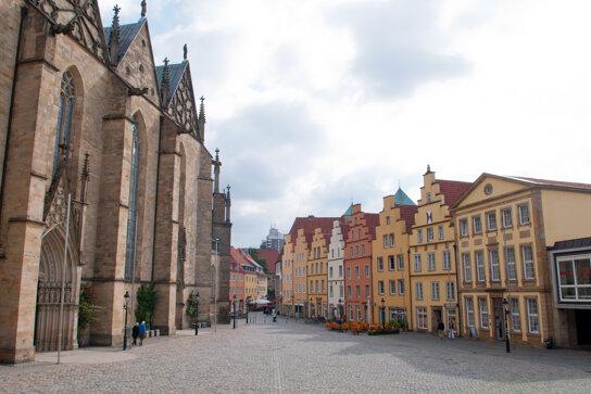 Osnabruecker Marktplatz Blick auf Rathaus c Referat Medien und Öffentlichkeitsarbeit
