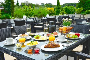 Hotel Frühstück Terrasse