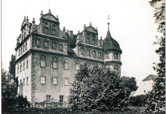 Schwarz-Weiß-Bild vom Schloss