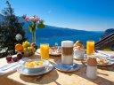 Sonne, Berge, Gardasee - alles im Blick