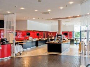 TRYPDusseldorfAirport-Restaurant1