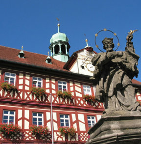 Bad Staffelstein Rathaus und Nepomuk