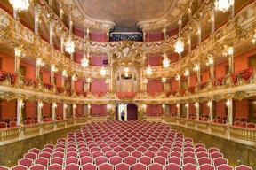 Cuvillietheater Zuschauerraum 2 Foto Vittorio Sciosia, München Tourismus