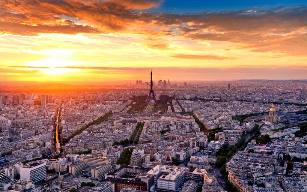 Paris von oben mit Eifelturm