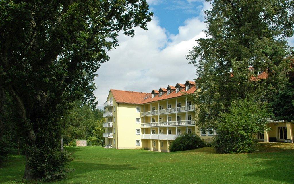 Neualbenreuth Schlosshotel Neualbenreuth aussen Außenansicht