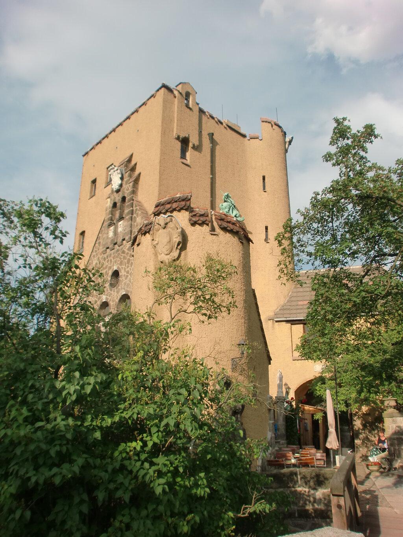 Roseburg, die markante Silhouette der Roseburg der Wohnturm