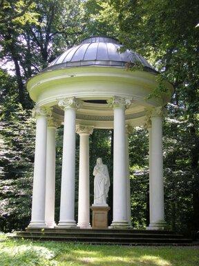 Tempel im Park von Bad Köstritz c Michael Sander, wikimedia