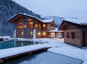 Hotel im Schnee