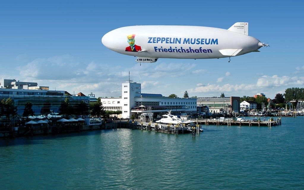 Zeppelin und Hafen in Friedrichshafen