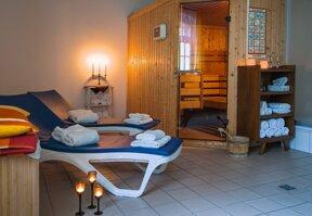 Sauna und Ruheliegen