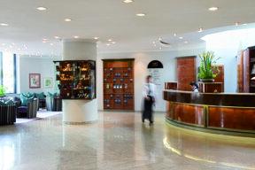 F BH 0614 Lobby 4006 4c
