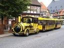 Auf geht's, mit der Bimmelbahn zum Schloss