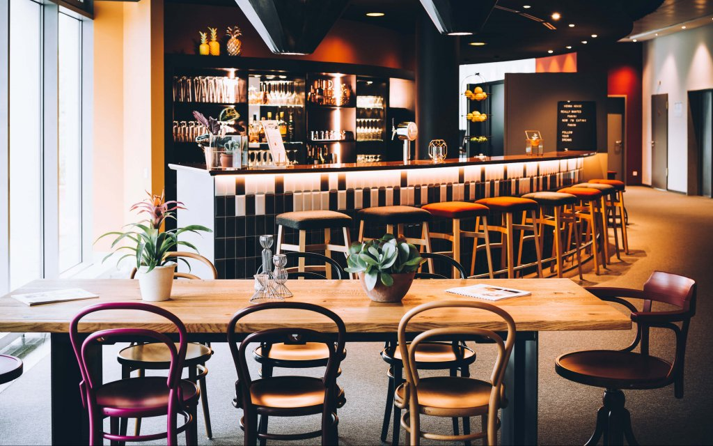 Vienna House Easy Trier Bar