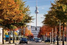 Fernsehturm im Herbst c visitBerlin Wolfgang Scholvien
