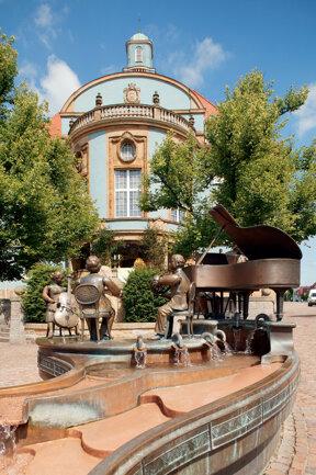 Rathaus mit Musikantenbrunnen C Fototeam Vollmer